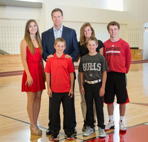 PHOTO_-_Coach_Hoiberg_&_Family